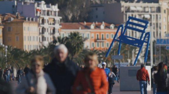 Promenade Chaise Bleue Video Site Chu